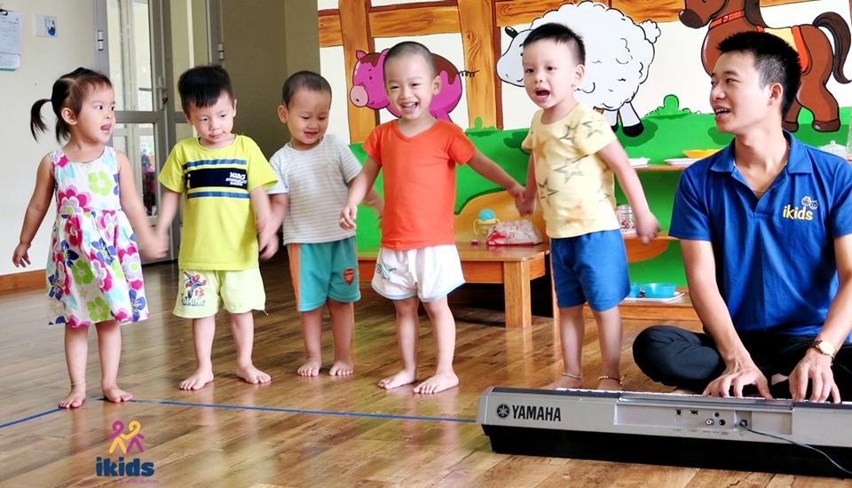 Vai trò của âm nhạc đối với sự hình thành nhân cách của trẻ - Hệ thống trường mầm non IKIDS Montessori School
