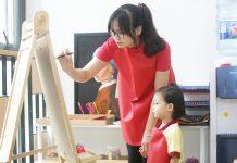 Hướng dẫn trẻ sử dụng tay thuận, tay không thuận hiệu quả (bài 2)