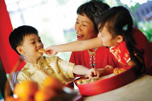 Dạy kỹ năng sống cho trẻ mầm non vào dịp Tết theo cách các bà mẹ châu Á 3